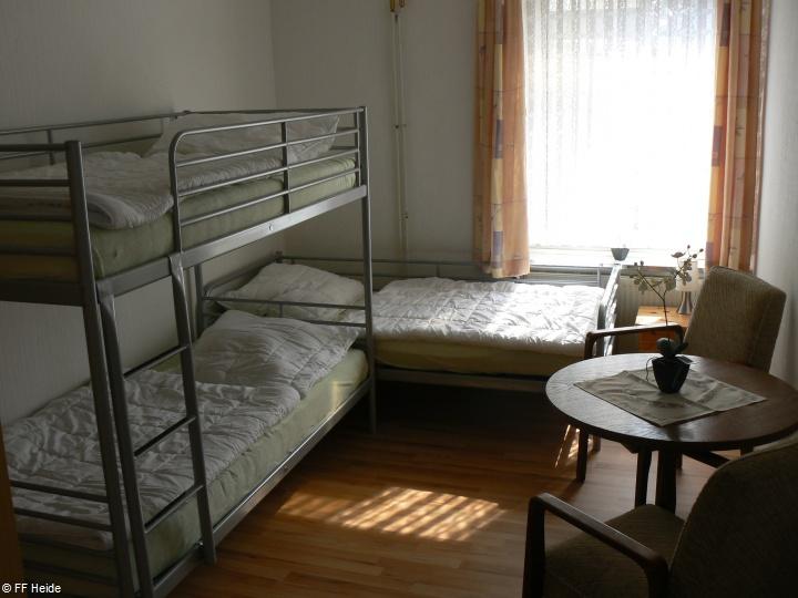 Etagenbett Einzelbett : Etagenbett udo aus metall mein ausstatter